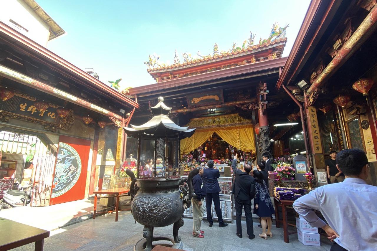用悠遊卡也可以添香油寺廟 首廟天壇台南第一家