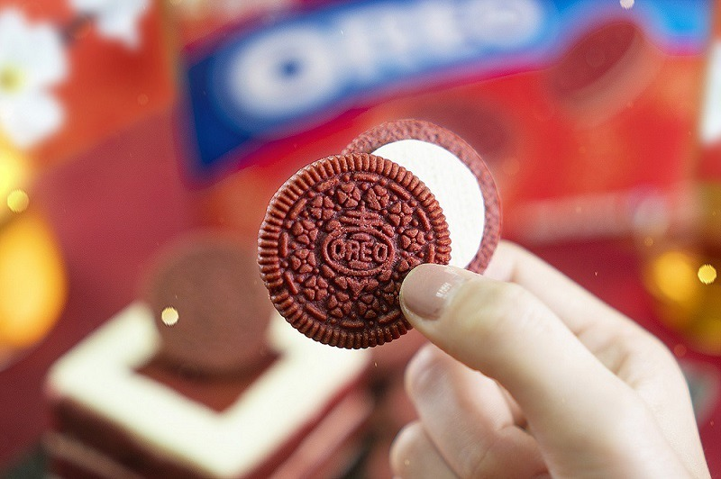 OREO紅絲絨蛋糕口味新換裝 買再抽日本機票、開運紅包