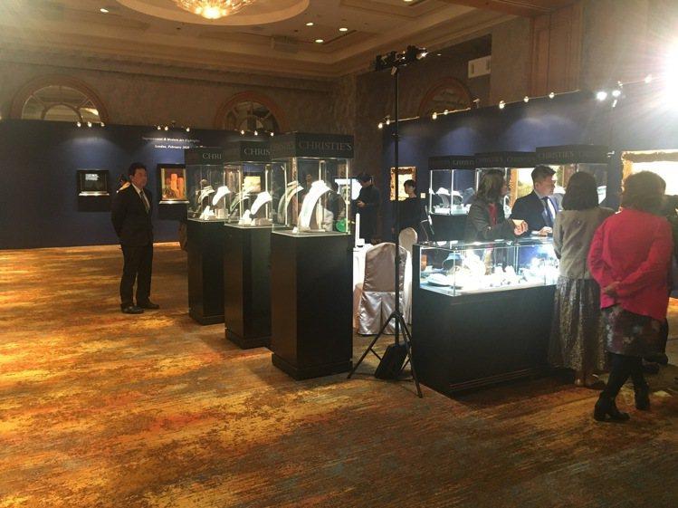 僅於本月14、15日兩日假西華飯店三樓展出,佳士得帶來倫敦三場拍賣的14件作品,...