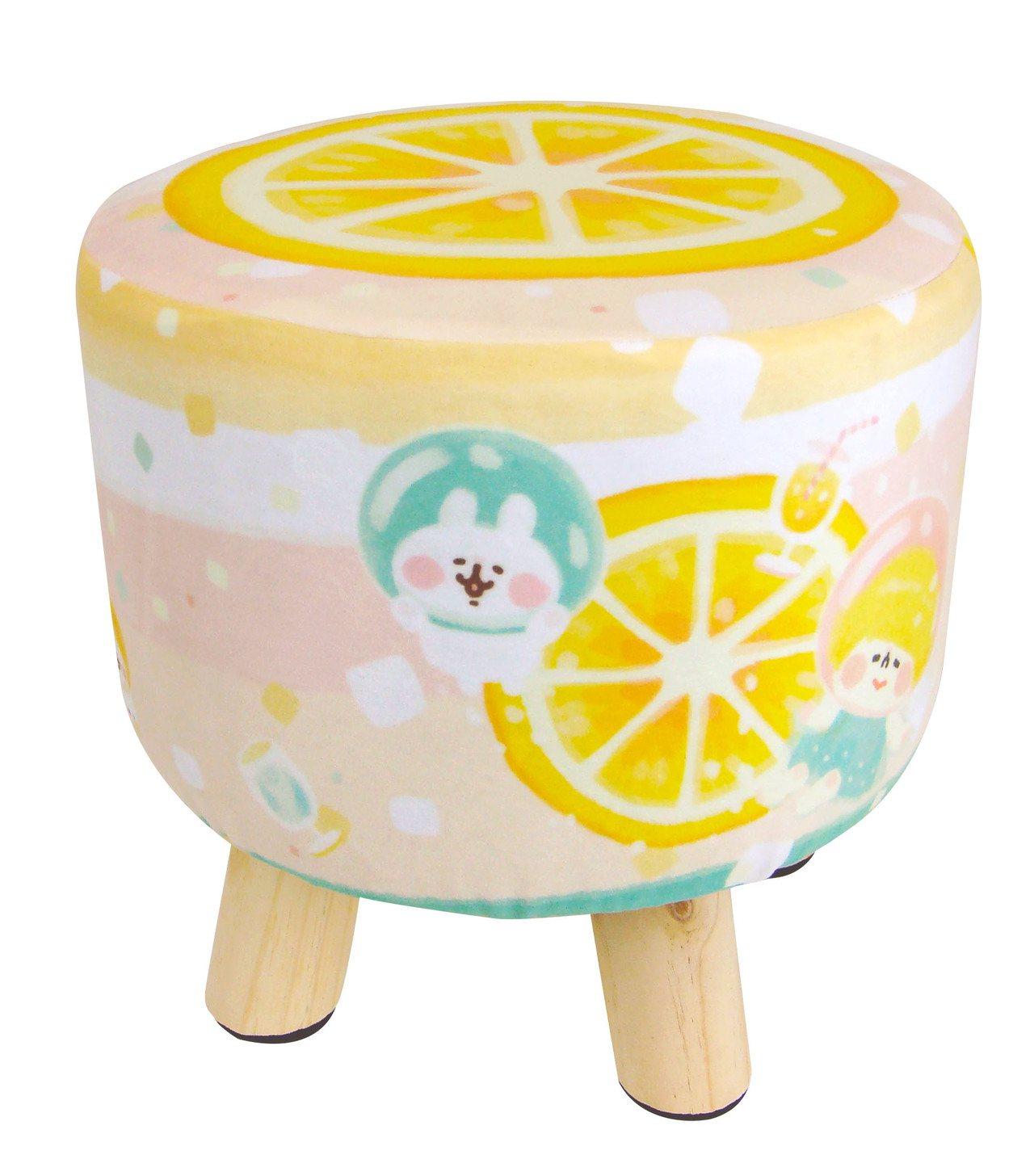 卡娜赫拉的小動物小圓凳,售價699元,共兩款。圖/7-ELEVEN提供