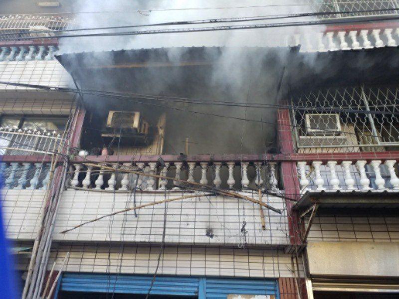 台南市最近火災頻傳,消防局今天統計分析,去年住宅火災起火原因,以爐火烹調最多,占...