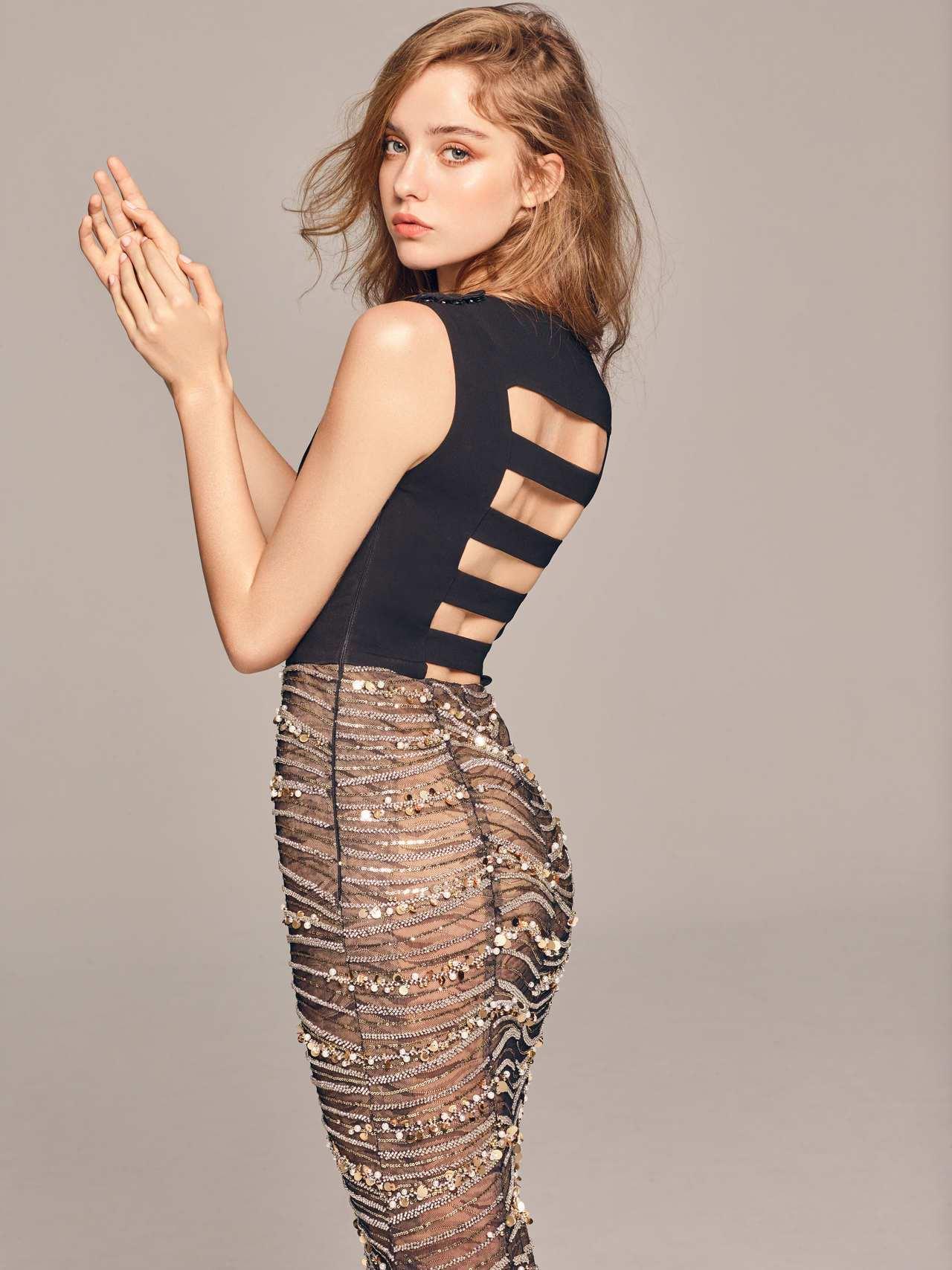2020春夏白金系列黑金挖背透視禮服。圖/LinLi Boutique提供