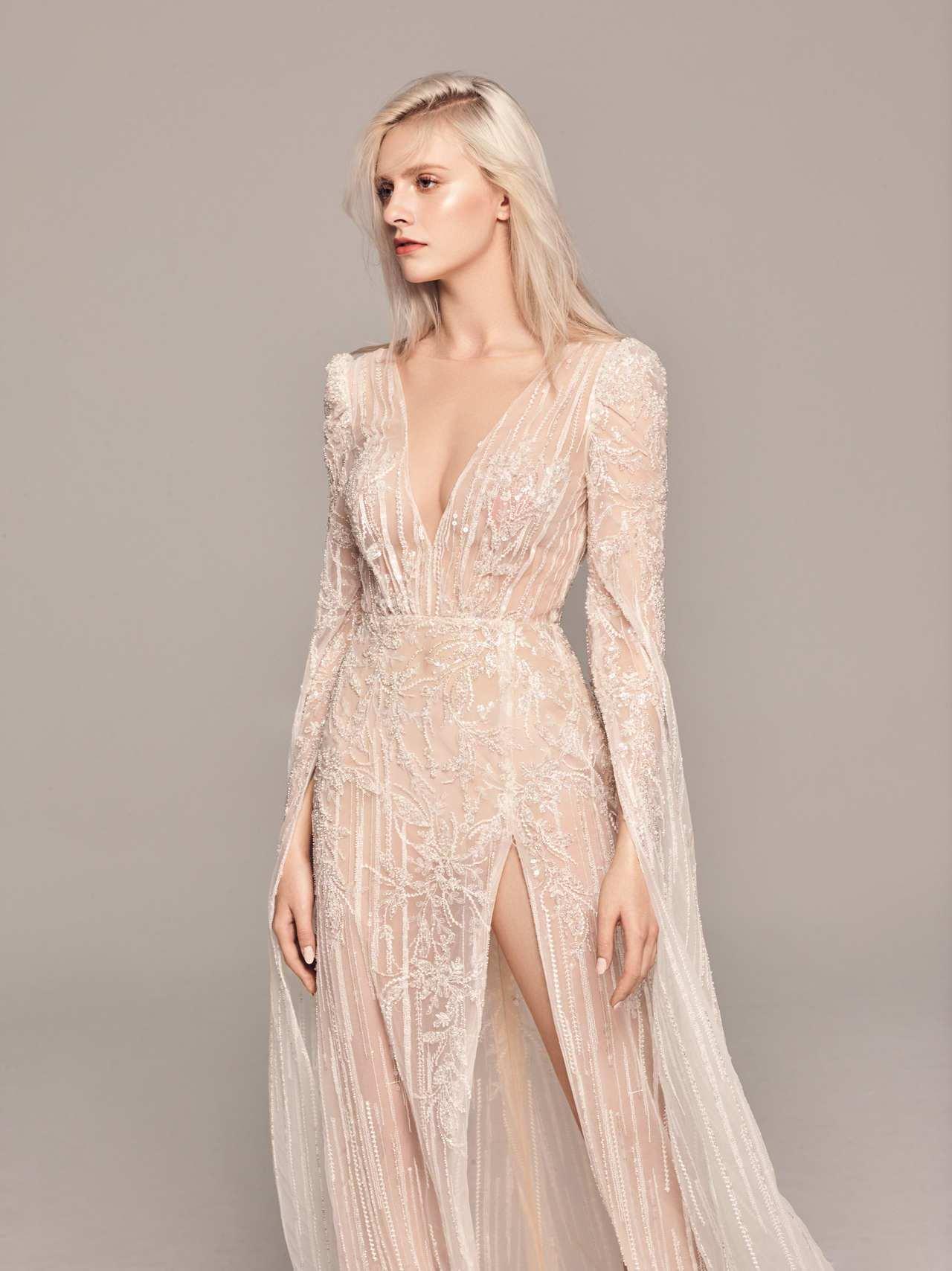 2020春夏白金系列水袖挖背禮服。圖/LinLi Boutique提供