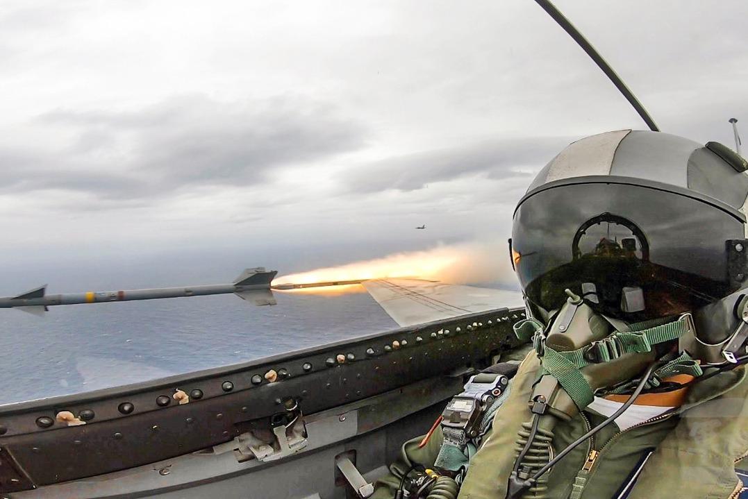 國軍三項加薪方案 飛官每月最多增七萬元