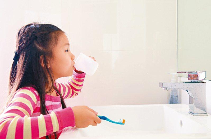 壞菌增 狂蛀牙 都因口腔生態失衡