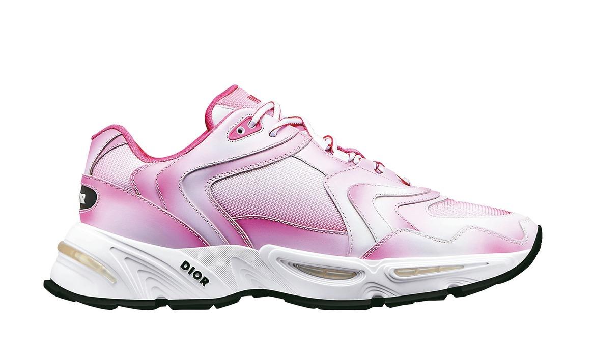 CD1粉色漸層網孔休閒鞋,售價40,000元。 圖/DIOR提供