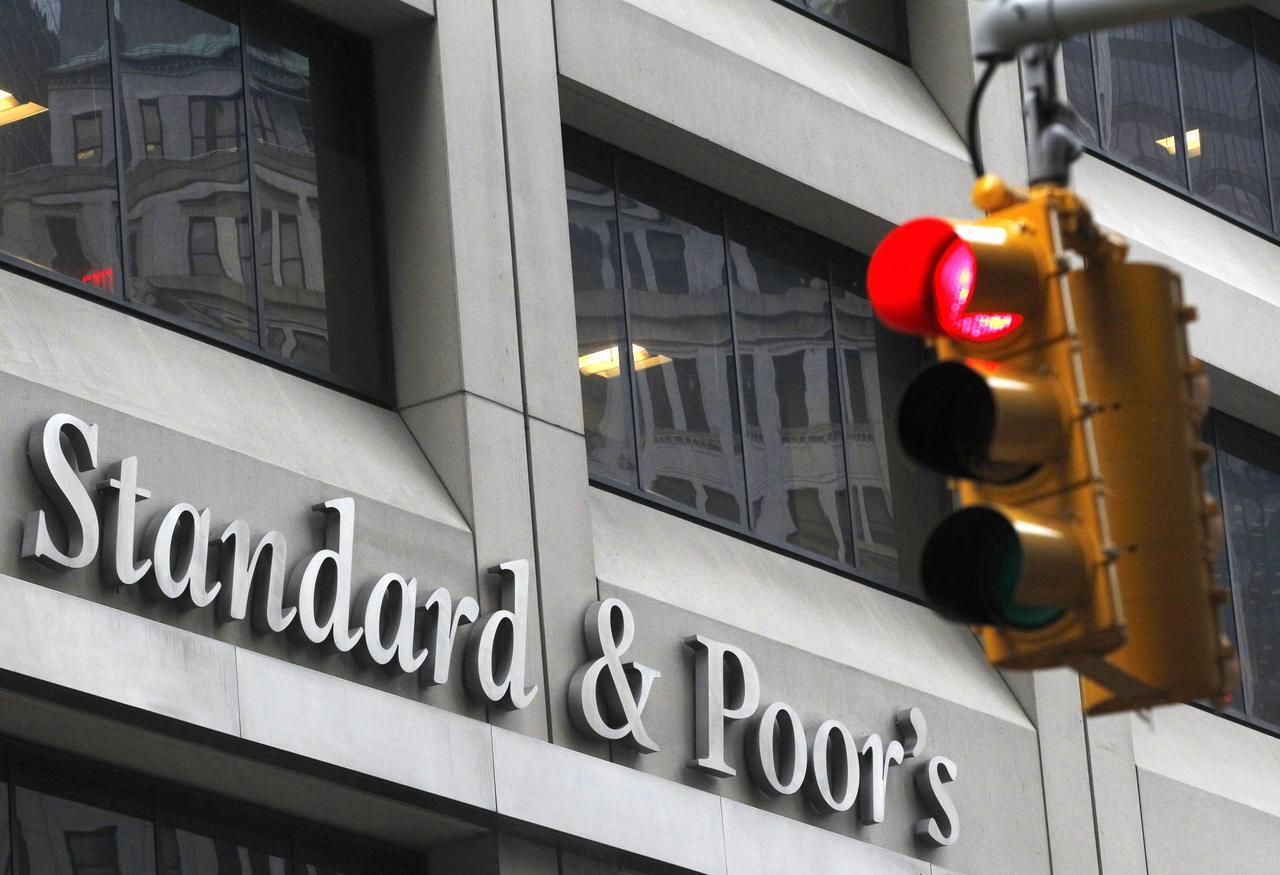 金管會對投資型保單連結目標到期債券型基金也將祭出債券評等限制,二月就上路。(路透...