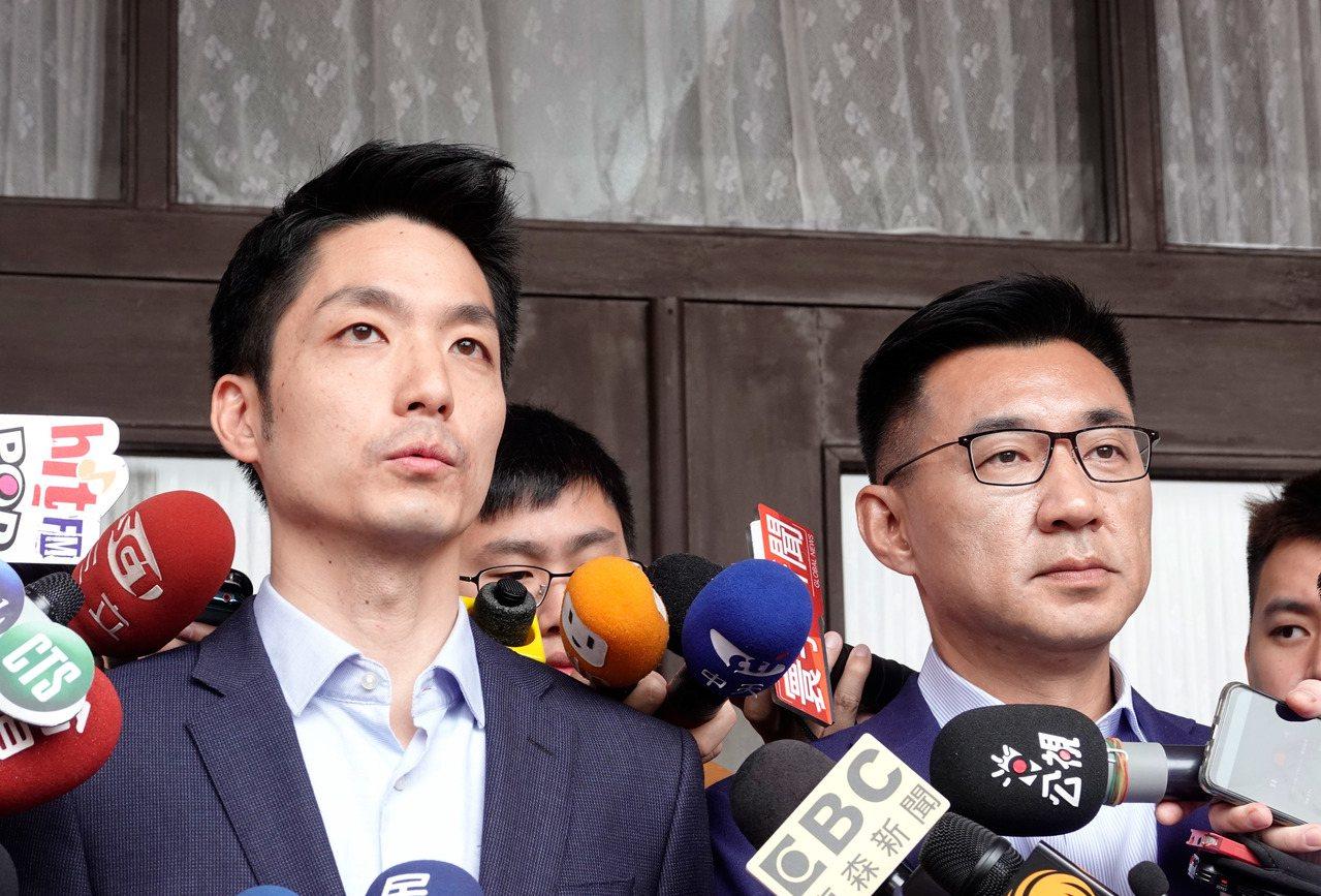 國民黨中常委蔣萬安(左)及江啟臣(右)先後宣布請辭。記者鄭超文/攝影