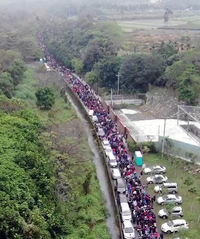 紫南宮鼠年錢母發放,吸引逾九萬名信眾排隊。 圖/紫南宮提供