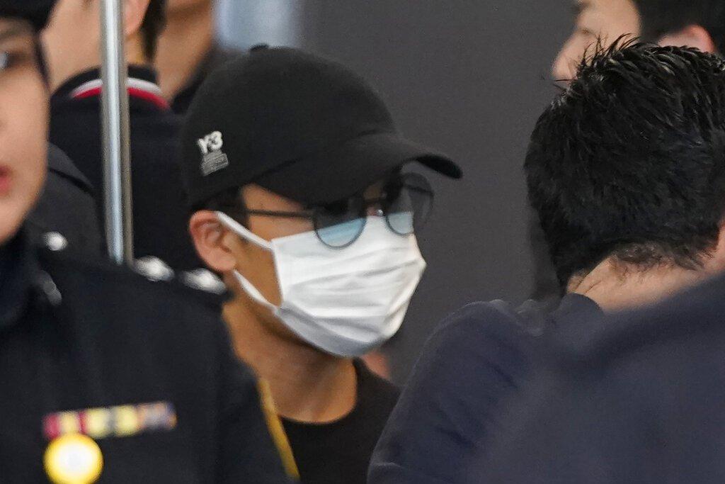 因車禍意外造成鼻樑骨折而退賽的日本球王桃田賢斗,今天上午出院。 美聯社