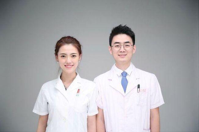 「神仙顏值」的醫生夫婦因救人上熱搜。(取材自中國青年報)