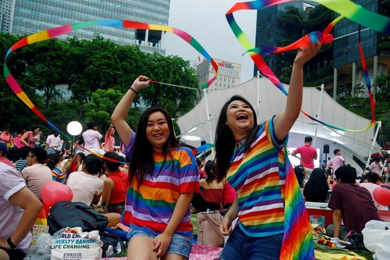 新加坡政府有意管控與防堵的,並不局限於狹隘的政黨政治,也包括LGBT權益的社會政治。 圖/路透社