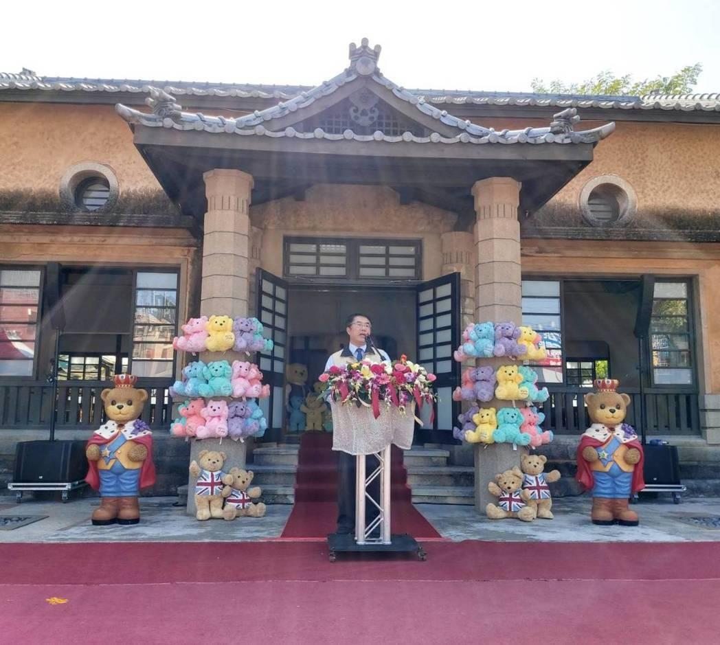 黃偉哲市長表示,新化年貨大街已經是第九年,活動愈辦愈精彩,邀請市民及全國的民眾踴...