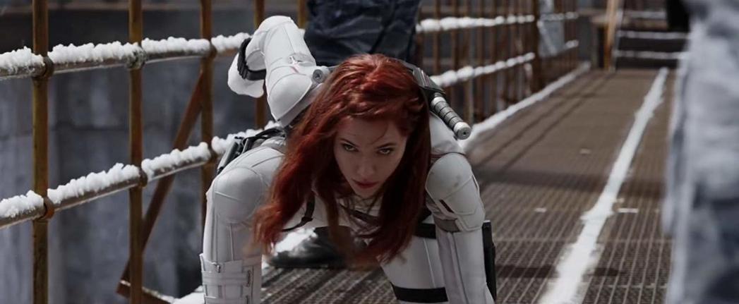 「黑寡婦」全新戰鬥造型讓觀眾迫不及待先睹為快。圖/摘自imdb