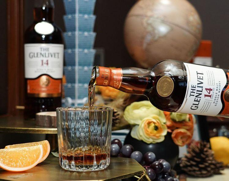 格蘭利威14年單一麥芽威士忌,建議售價1,450元。圖/保樂力加提供