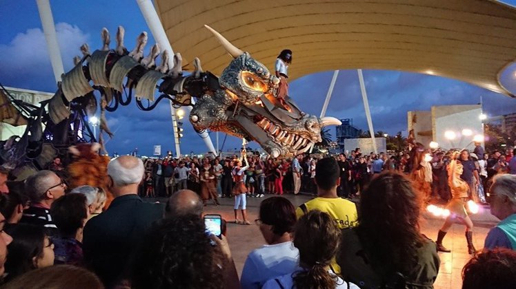 桃園燈會期間,每日都會有3場巨龍表演秀。圖/桃園市政府觀光旅遊局提供