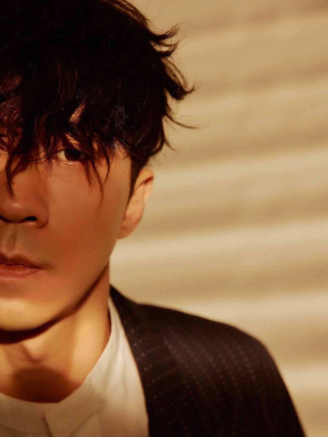 光良推出全新專輯「絕類」圖/星娛音樂提供