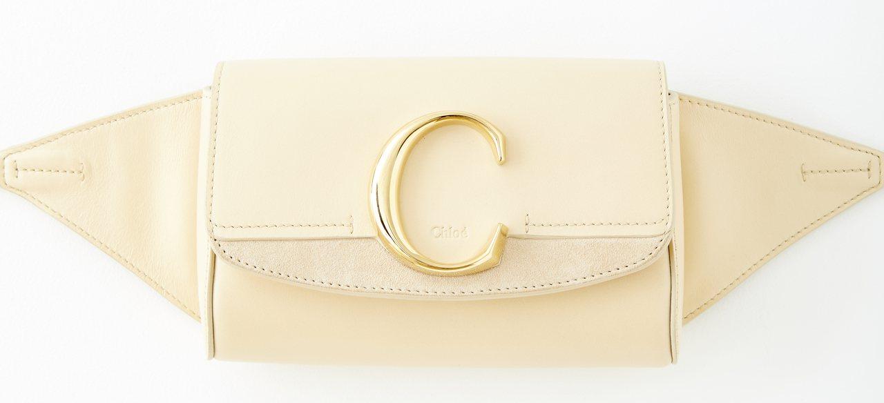 Chloé C米白色腰包,售價32,300元。圖/Chloé提供