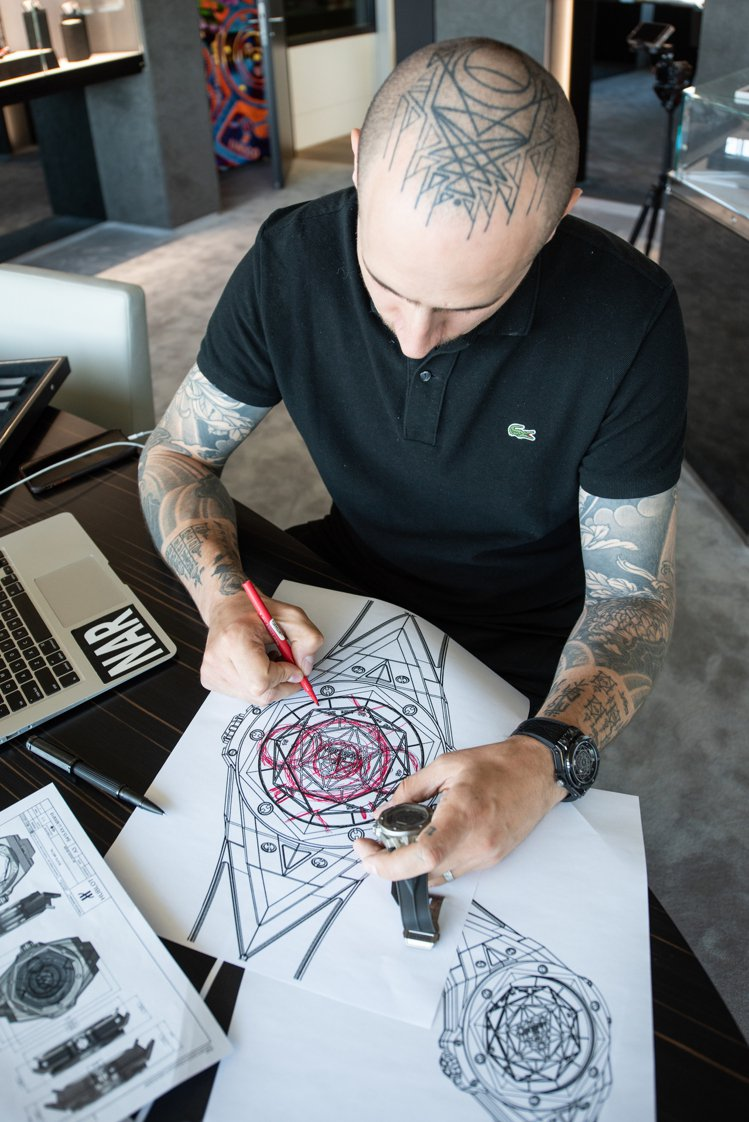 Sang Bleu刺青工坊創辦人,同時也是品牌大使Maxime Plescia-...