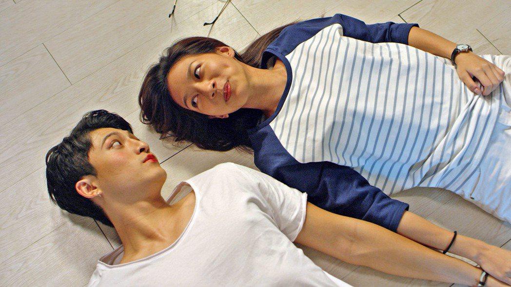 呂晉宇(左)與陳妤上演親密戲。圖/WebTVAsia提供