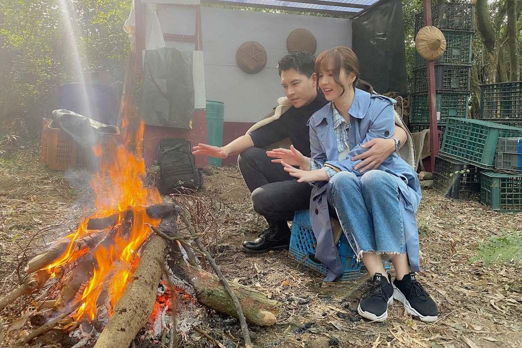 王傳一、魏蔓在「美味滿閣」戲中,意外受困山中,拍起露營戲感覺有真的來玩耍的錯覺。...