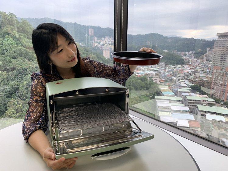 JASONS引進廚房的夢幻逸品「日本千石阿拉丁烤箱 」集點加購兌換活動。圖/JA...