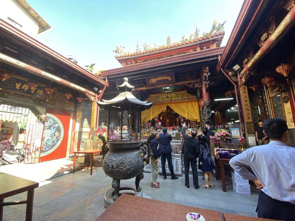 台南首廟天壇每到過年期間香客爆滿。圖/聯合報系資料照片