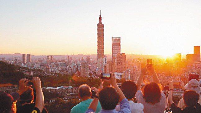 台灣是淺碟子經濟,內需不足,需要靠外部市場。 報系資料照