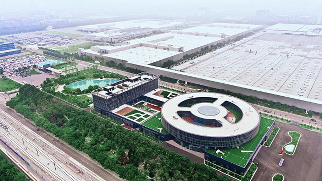 2005年賓士與北京汽車有限公司共同出資成立「北京奔馳 戴姆勒 克萊斯勒汽車有限...