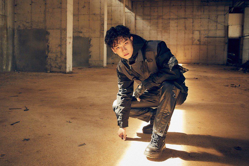 粉絲要求Chen退出EXO。圖/擷自臉書