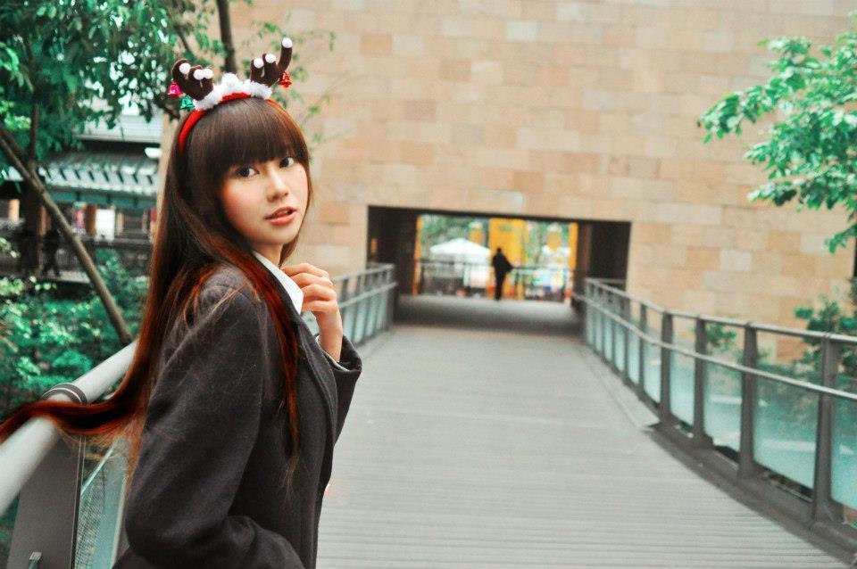 賴品妤高中的制服照曝光,清純模樣吸引許多粉絲按讚。 圖/翻攝自賴品妤臉書