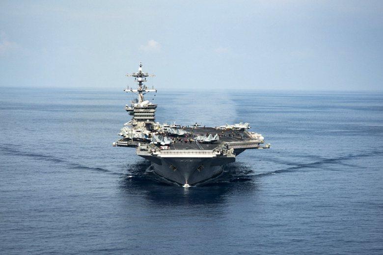 美軍航母卡爾文森號航行南海。 圖/路透社