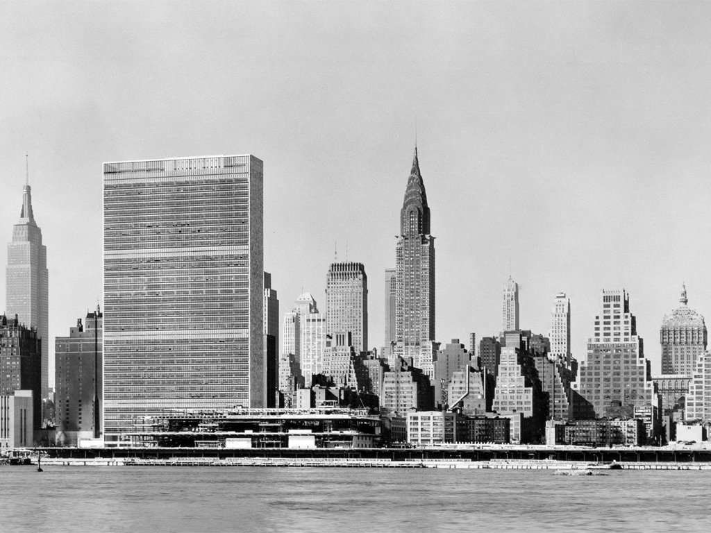 《偉大城市的誕生與衰亡》被後世譽為「都市理論聖經」;更好的翻譯,其實應該按照原文...