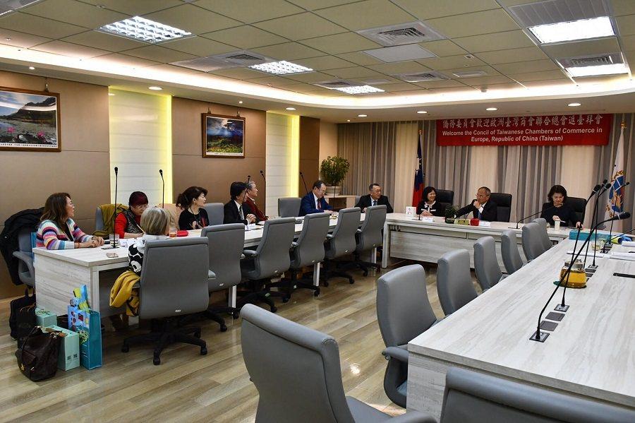 歐洲臺灣商會聯合總會由劉淑慧率領一行8人拜會僑務委員會。圖/僑委會提供