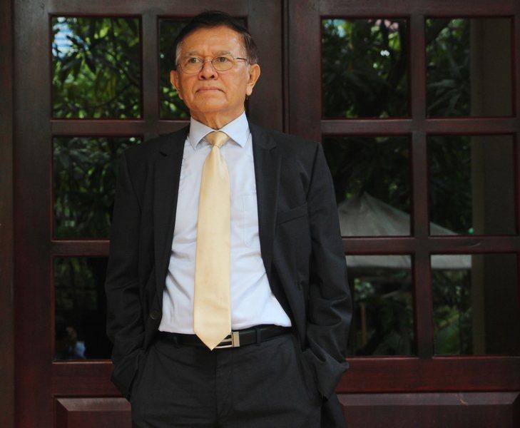 柬埔寨反對黨領袖金速卡遭政府控訴「意圖聯合外國勢力顛覆國家」,15日正式開庭審理...