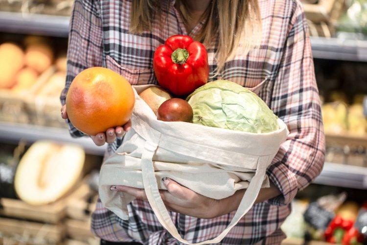 根據美國國家癌症研究院的研究指出,至少35%的癌症是因飲食引起,如肺癌、大腸直腸...