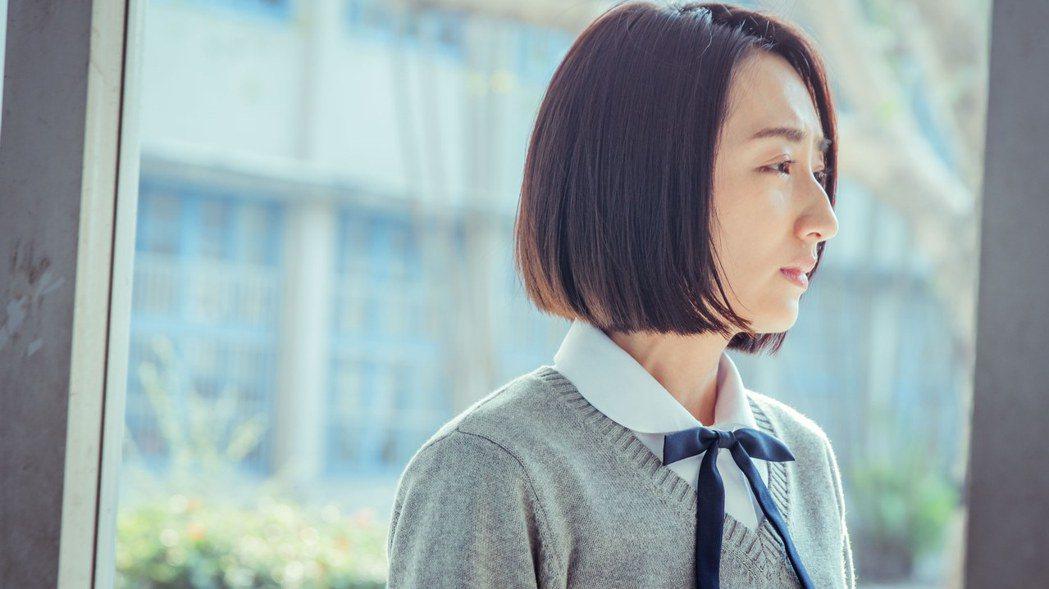 柯佳嬿劇中穿越成高中生,扮相一點都不違和。圖/衛視中文台提供