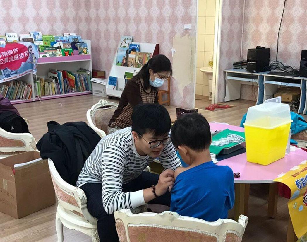 台中市衛生局統計,台中市尚有公費疫苗13萬多劑,請符合公費疫苗施打對象盡速施打,...
