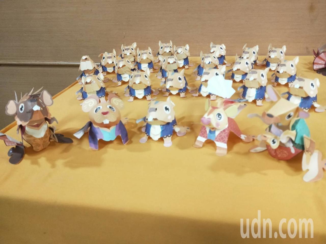 新北市民政局今天推出新北鼠年小提燈「新北五鼠」,故事取材家喻戶曉的包青天與七俠五...