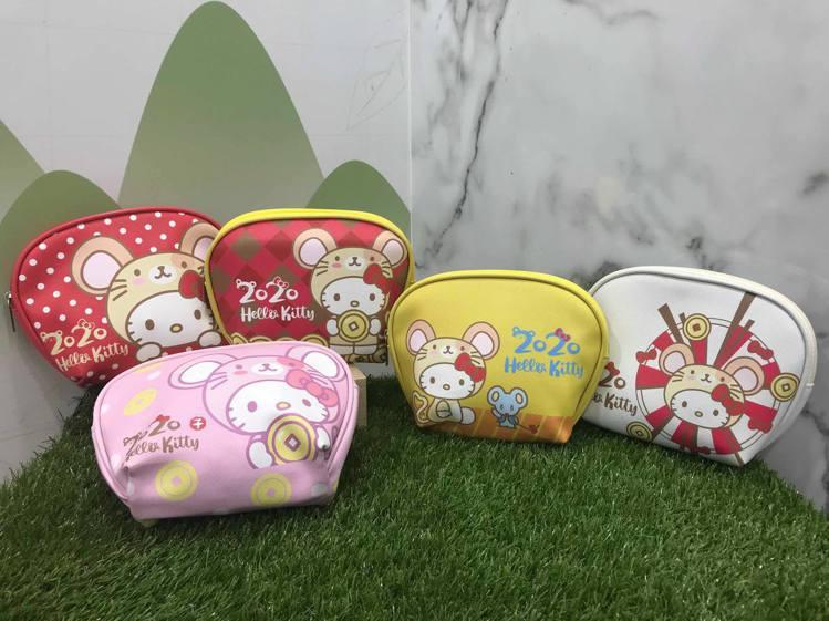 7-ELEVEN推出全台限量25萬個的Hello Kitty金鼠年限定萬用包,5...