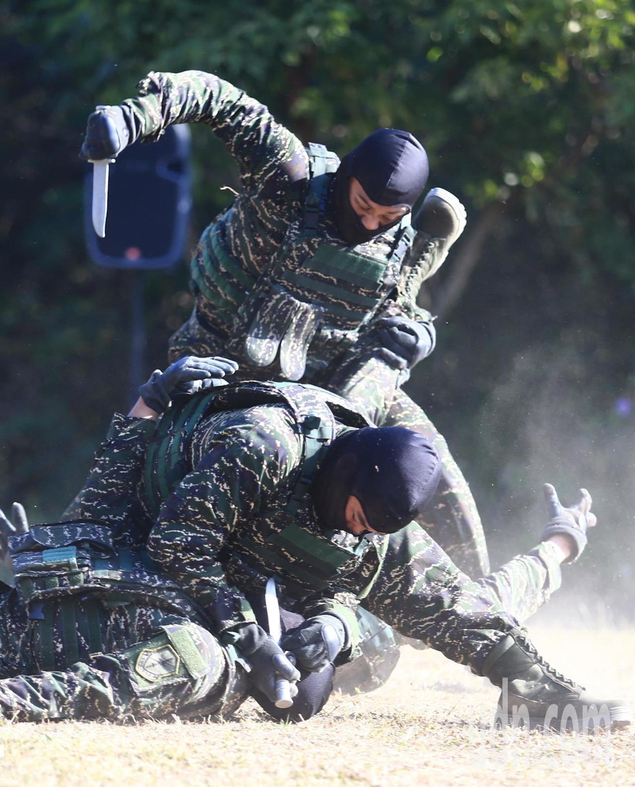 國軍109春節加強戰備上午由海軍兩棲偵搜大隊進行綜合格鬥技演練。記者陳正興/攝影