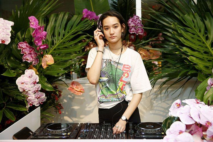 日裔美籍超模Mona Matsuoka擔任了當晚派對DJ、炒熱氣氛。圖╱萬寶龍提...