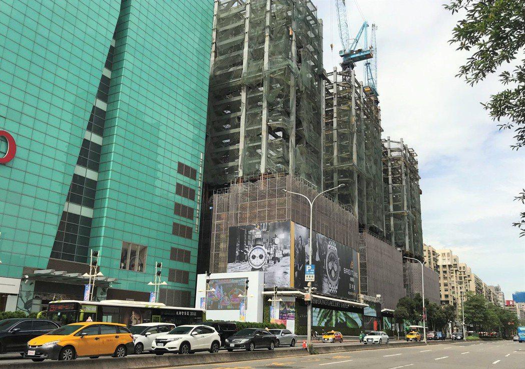 Diamond Towers 記者游智文/攝影