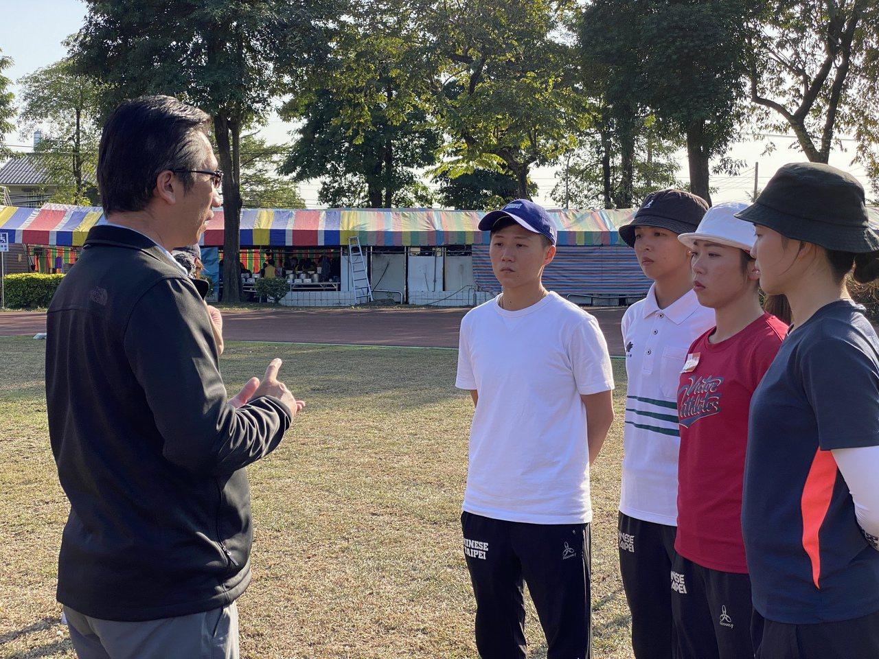 女團將由倪大智(左一)領軍。記者曾思儒/攝影