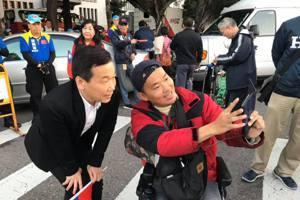 鍾小平要回家:國民黨不回到一中各表 選百次輸百次
