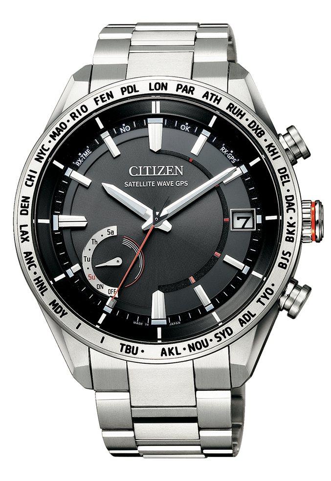 星辰表CC3081-52E腕表,鈦金屬表殼、表鍊,約49,000元。圖/CITI...