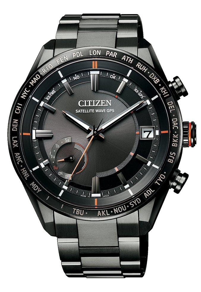 星辰表CC3085-51E腕表,玄黑色DLC鈦金屬表殼、表鍊,約59,000元。...