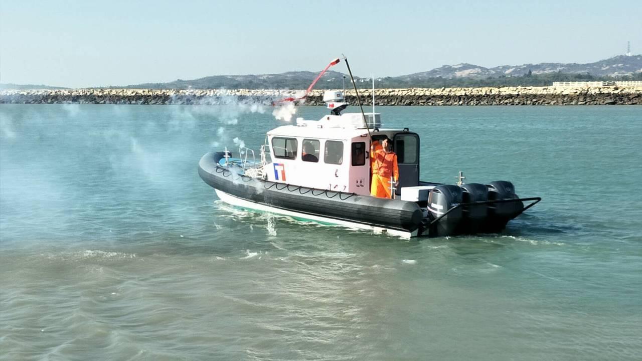 金門海巡隊為提升執勤能量,於本月8日新增1艘多功能艇「CP-1020」,最大航速...