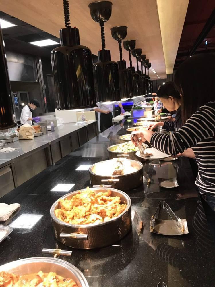 共有近200多種料理。圖/聯上大飯店提供