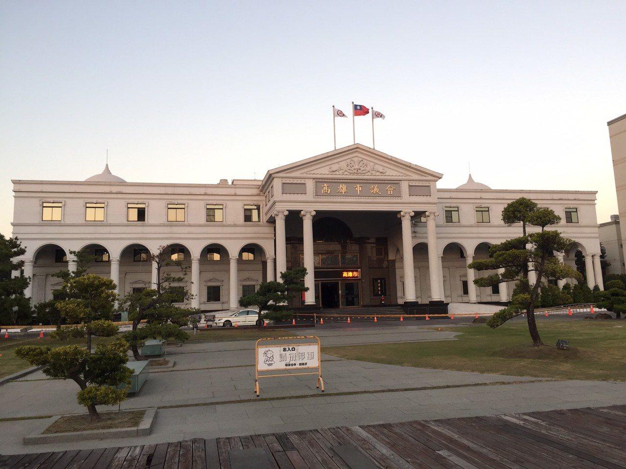 高雄市議會今年春季定期大會開議時間引發藍綠爭論。記者楊濡嘉/攝影
